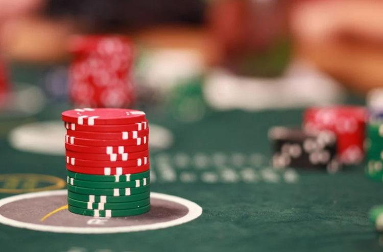 motive online gambling card games
